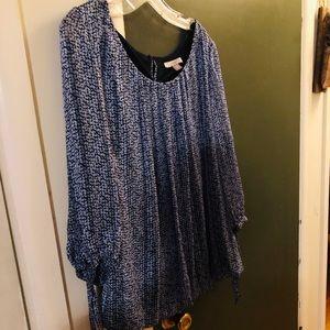 Dressy top Blouson bottom, 3/4 sleeves wit ties